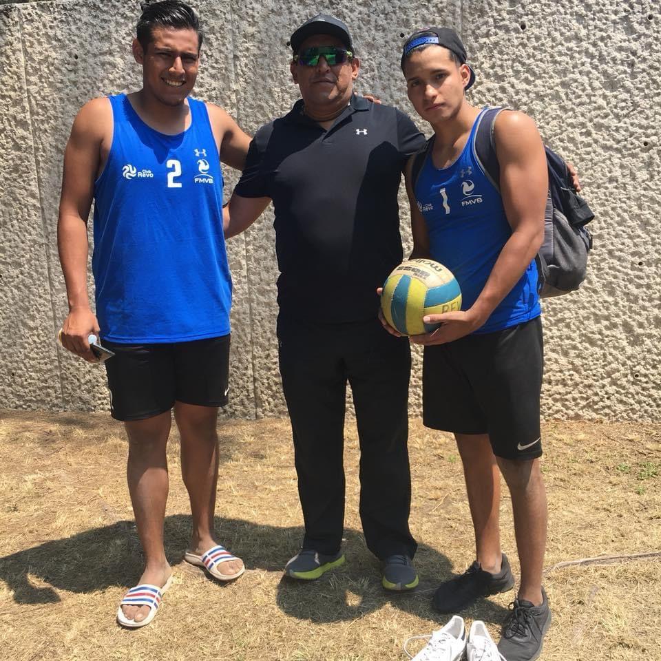 El equipo representante de voleibol varonil del Club de Voleibol Revolución disputó su cuarto partido de la fase de grupos del Campeonato Nacional de Clubes de Segunda División.